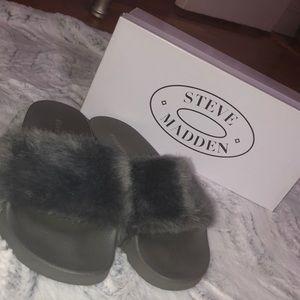 Steve Madden furry slides